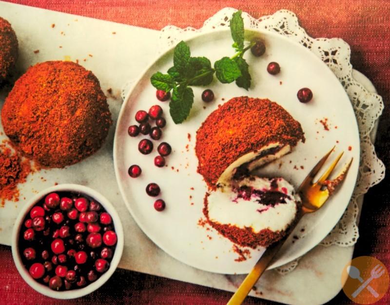 Julglass med pepparkaka och lingon