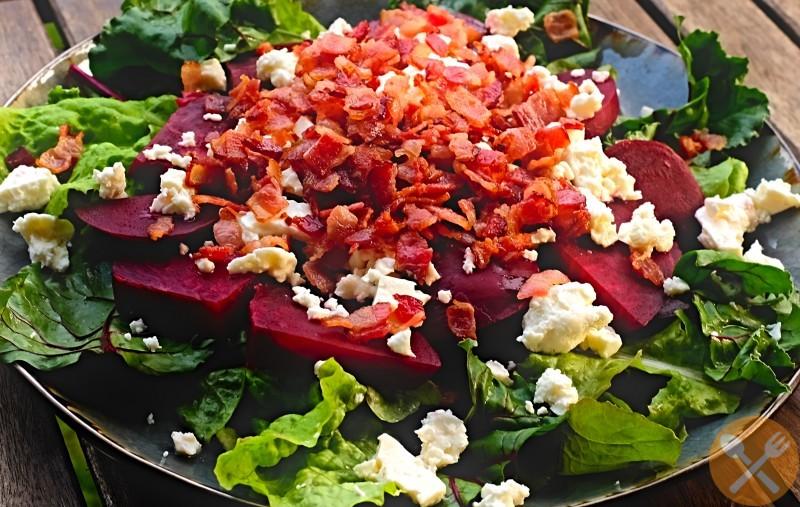 Sallad med rödbetor och bacon